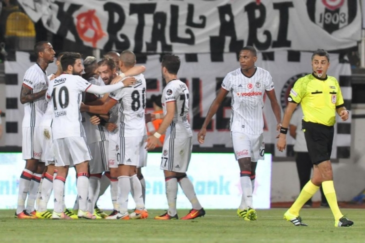 Beşiktaş, Akhisar'ı ilk kez deplasmanda yendi