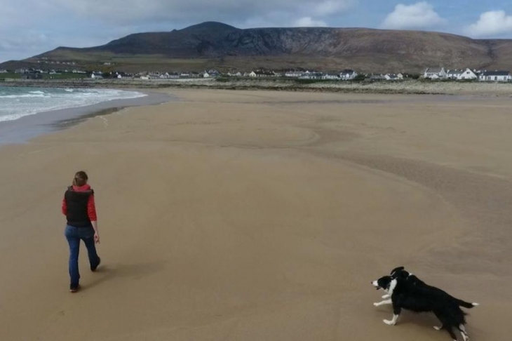 İrlanda'da 33 yıl önce yok olan kumsal geri döndü!