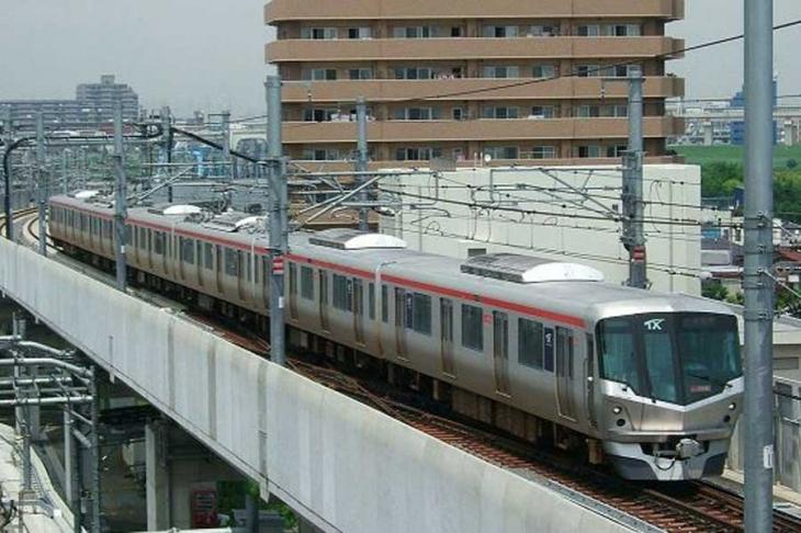 Japonya'da 20 saniye erken kalkan tren için özür dilendi