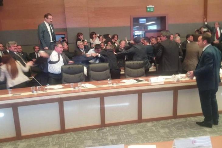 HDP, dokunulmazlık görüşmelerini terk etti