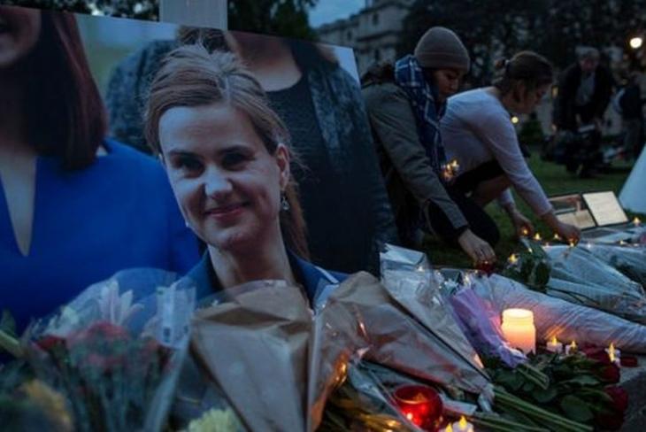 İngiltere'de suikast sonrası referandum çalışmaları durdu
