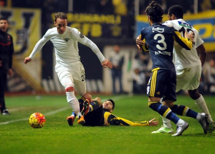 Fenerbahçe Akhisar Belediyespor deplasmanından 3 puanla dönüyor: 0-3