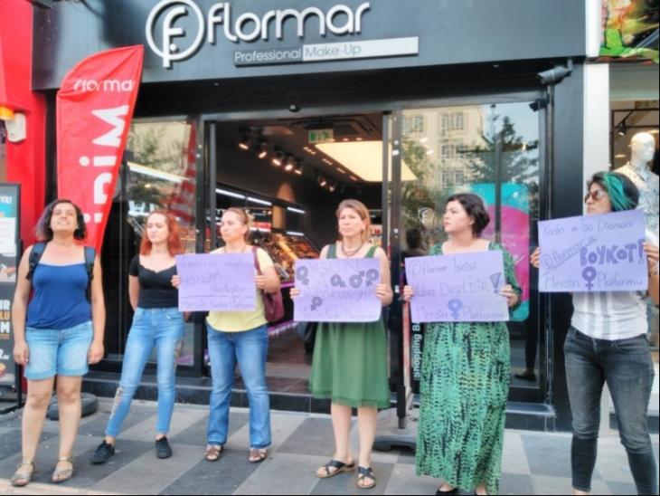 Flormar işçilerine bir destek de Mersin Kadın Platformu'ndan