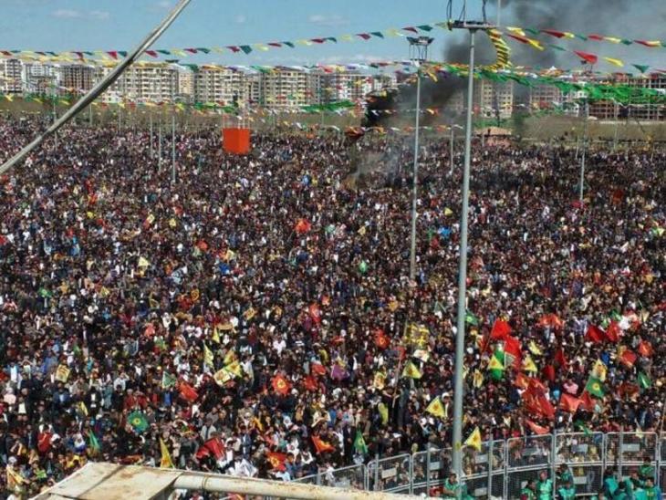 Diyarbakır Newrozu yüz binlerle kutlandı