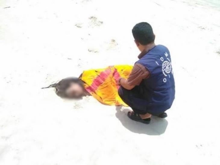 İnsan kaçakçıları 120 mülteciyi denize attı, 50'si boğuldu
