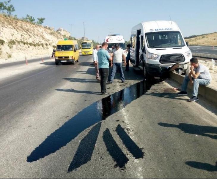 Antep'te işçi servisleri çarpıştı: 6 yaralı