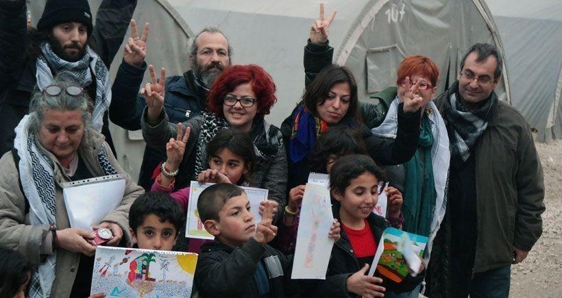 Yunan eğitimcilerin Kobanêlilere yardımına engel