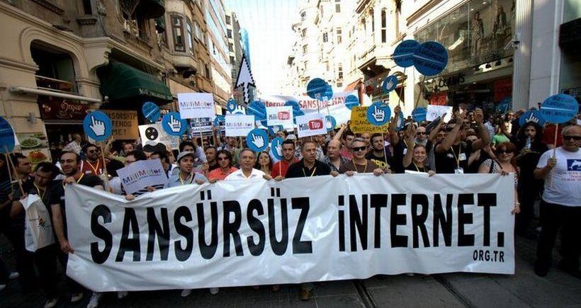 Siyasi kutuplaşma internete, sansüre yaklaşıma da yansıyor