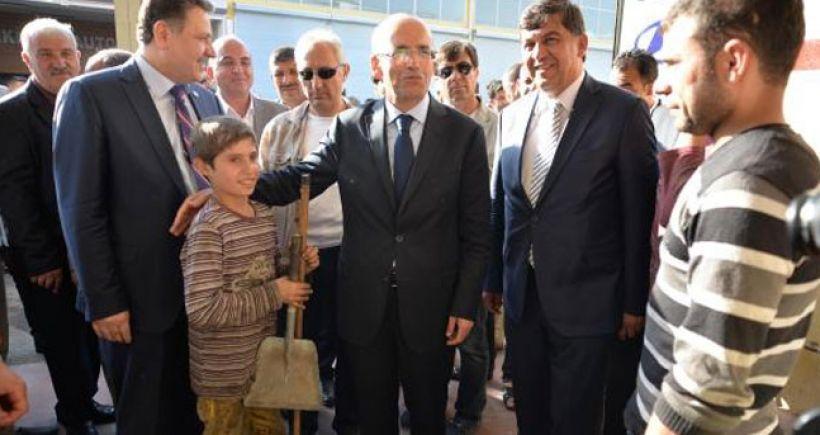 Maliye Bakanı, 3.3 milyarlık makam araçları için 'çerez parası' dedi