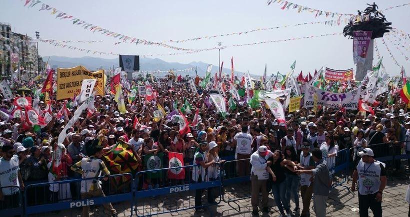 CANLI YAYIN: On binler, Yeni Yaşam için İzmir'de buluştu