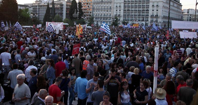 Yunanistan'da referandumda 'hayır' diyecekler meydanlara indi