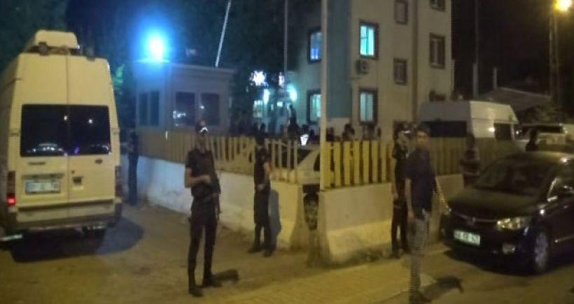 Adana'da Emniyet Müdürlüğü'ne saldırı: 2'si polis 4 kişi öldü