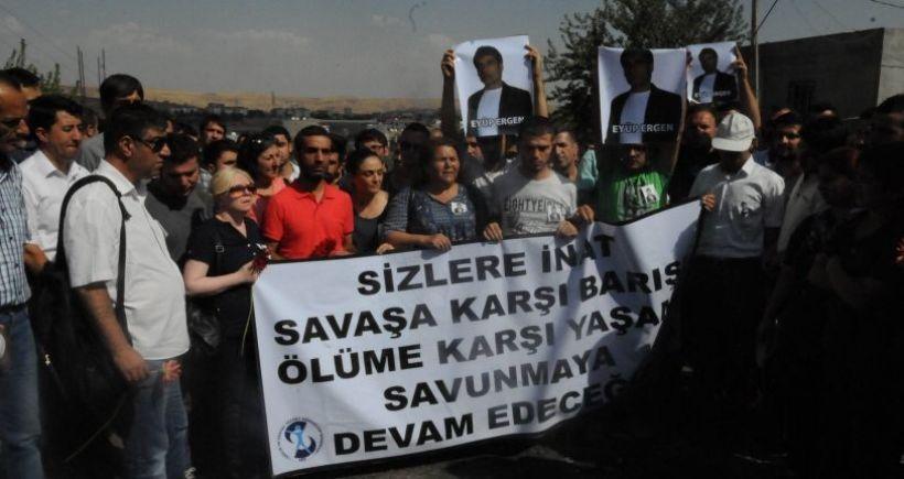 'Polis 1,5 saat boyunca yaralı Ergen'e yaklaşmamıza izin vermedi'