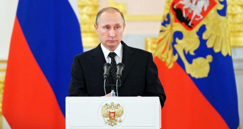 Putin: Terörist bölgelerinden petrol taşıyan kamyonlar gece gündüz Türkiye'ye gitti