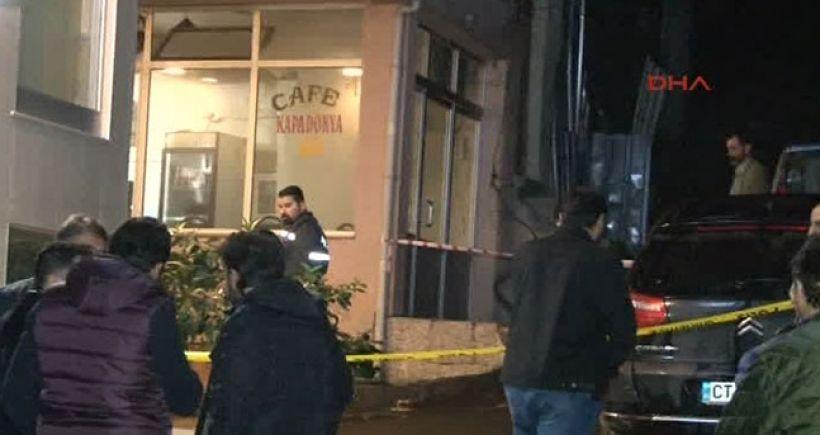Fatih'te kahvehaneye silahlı saldırı: 1 yaralı