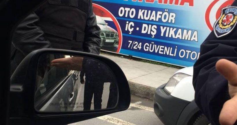 Polisler Yüksekdağ'ın aracına silah çekip tehdit etti