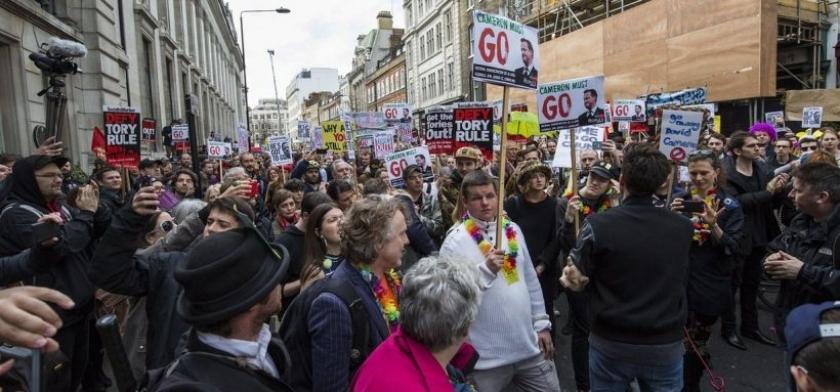 İngiltere Başbakanına istifa çağrısı: 'Bizim vergilerimizle ne yaptın?'