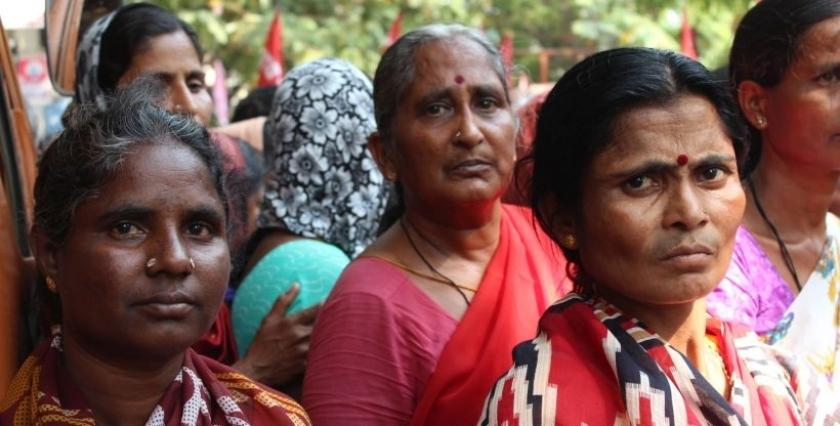 Hindistanlı Kadınların Gözü Mücadelede Evrenselnet