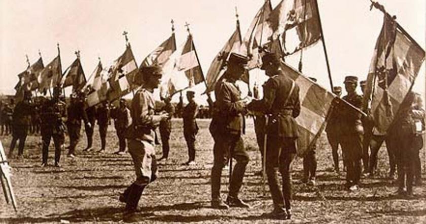 200 Yunan askerinin hikayesini doğru okumak