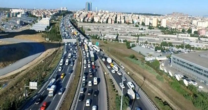 İstanbul'da sürücüler 33 kilometreyi 3 saatte geçebildi