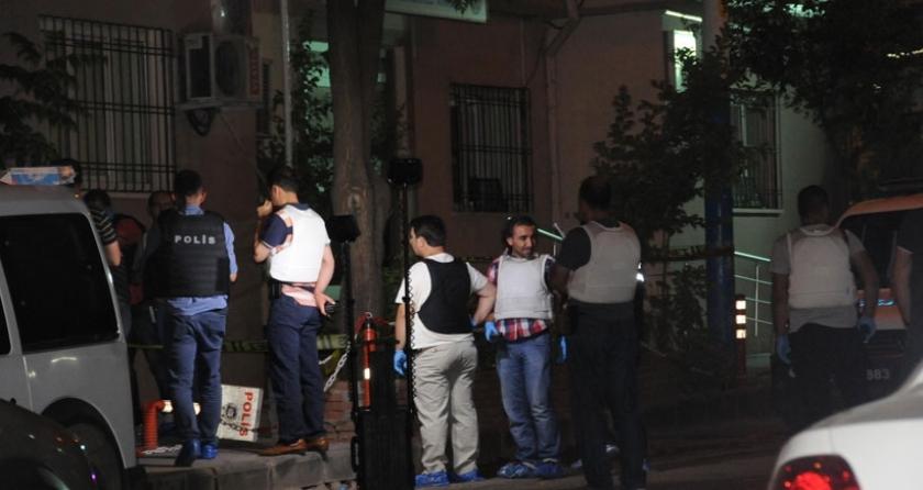Diyarbakır'da polis merkezine bombalı saldırı: 1 polis ağır yaralı