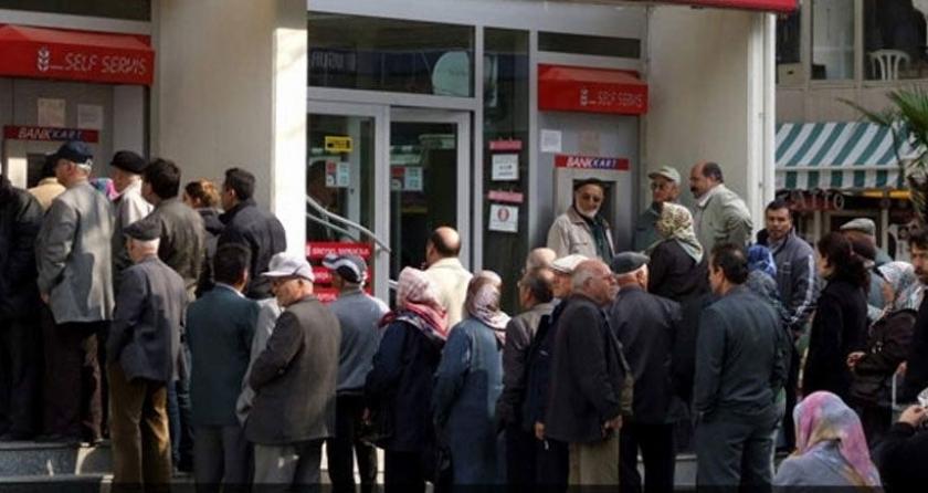 Emeklilere Ocak ayından itibaren 100 TL seyyanen zam Meclis'te kabul edildi