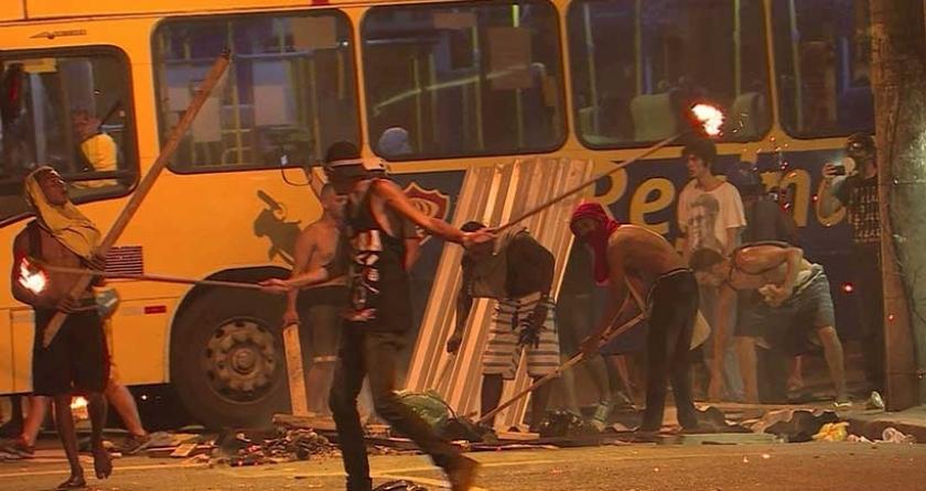 Brezilya'da toplu taşıma zammı binleri sokağa döktü