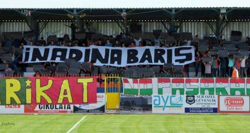 Amedspor'un taraftar grubu Barikat: Barışı haykırmaya devam!