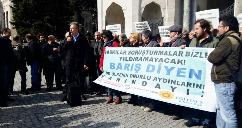 İstanbul Üniversitesindeki akademisyenlere destek eyleminde gözaltı