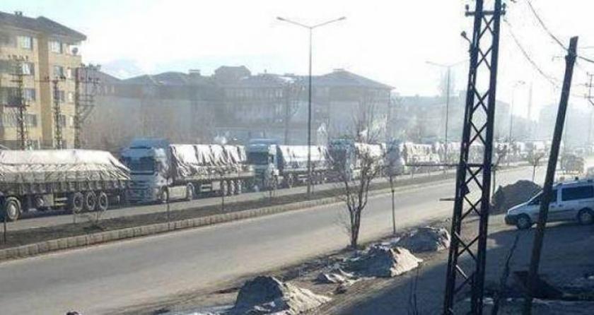 Yüksekova'da asker için yatak ve erzak stoku!