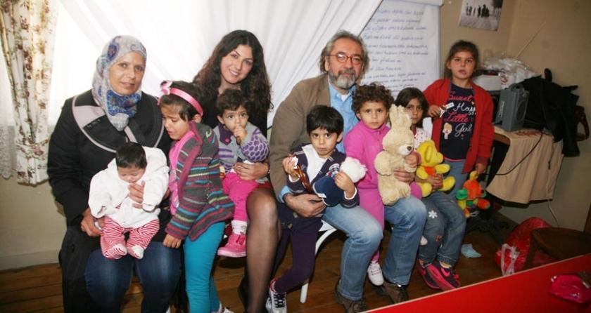 İzmir'den Kanada'ya halkların  köprüsü kuruldu