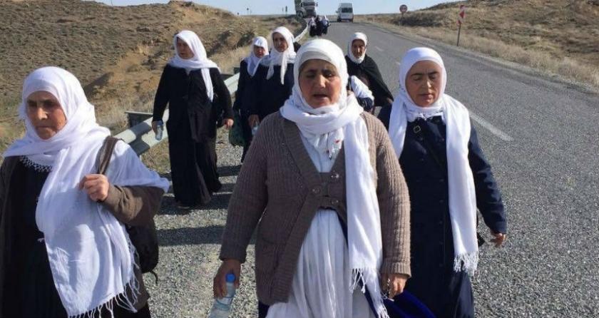 Yüksekova'ya yürüyen barış anneleri: Kan kanla yıkanmaz, bu savaş durmalı