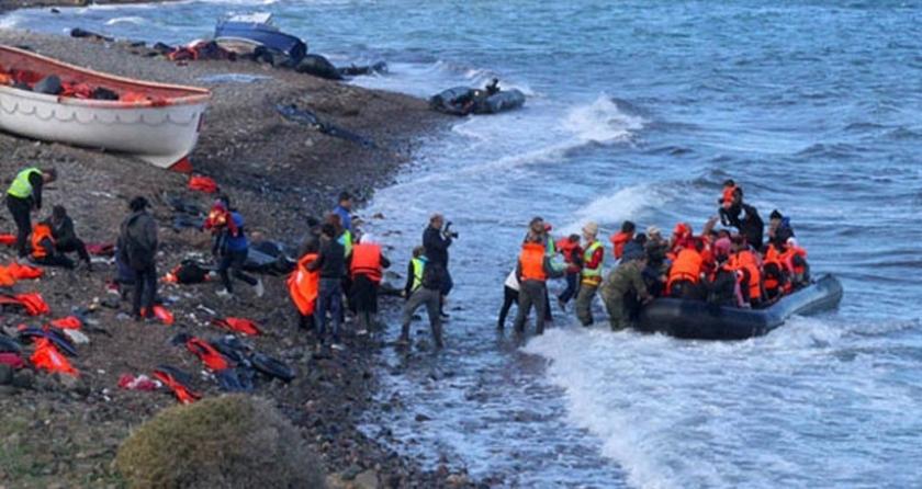 Ege'de mültecileri taşıyan tekne battı: 5 kişi öldü