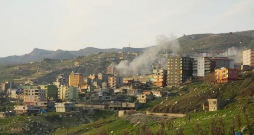 Şırnak'ta mahallelere tank ve obüs atışı yapılıyor