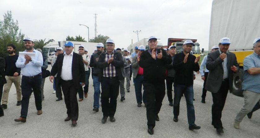Mersin İzocam'da işçi kıyımı protesto edildi