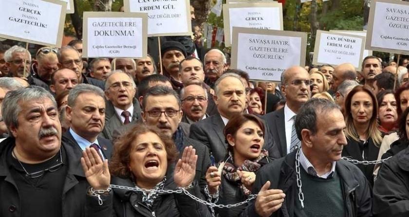 Gazetecilere tutuklama furyası