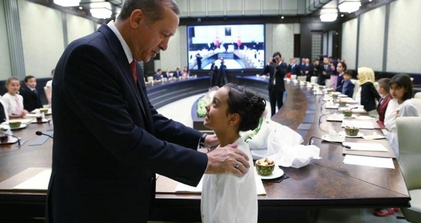 Erdoğan 23 Nisan'da çocuklara kan propagandası yaptı