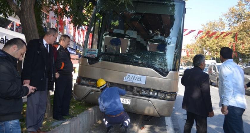 İlkokul öğrencileri 'korsan otobüsle' kazadan kıl payı kurtuldu