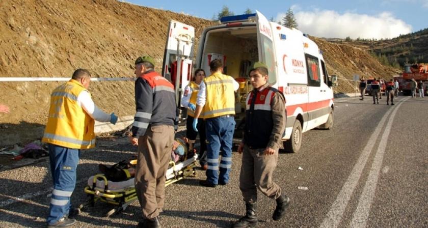 Mevsimlik işçileri taşıyan araç devrildi: 17 ölü