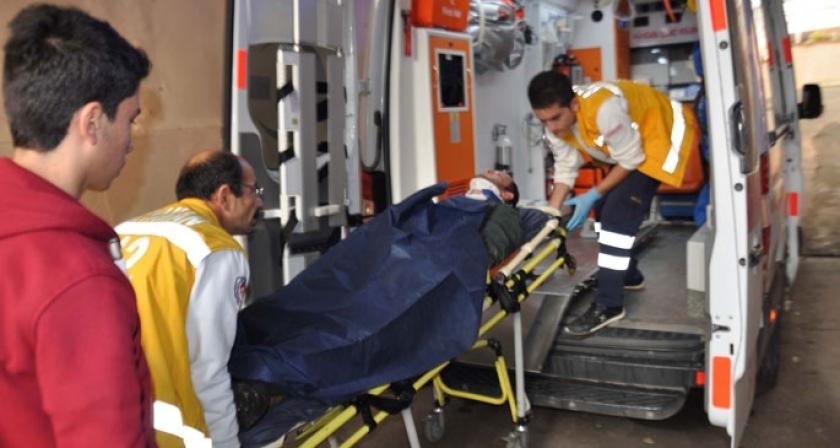 Üzerine petrol sondaj borusu düşen işçi yaralandı