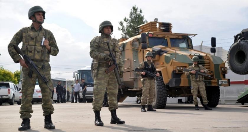 Asker, Diyarbakır ve Van sokaklarında!