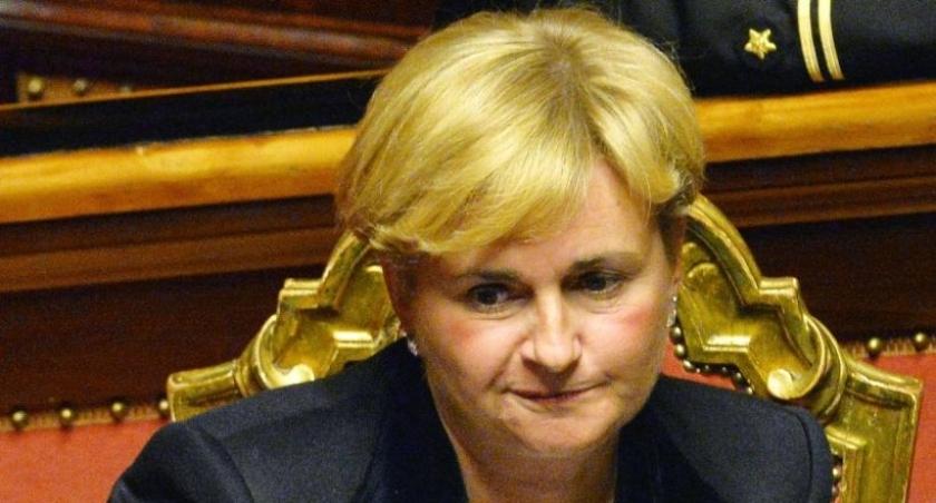 İtalya'da Ekonomik Kalkınma Bakanı istifa etti