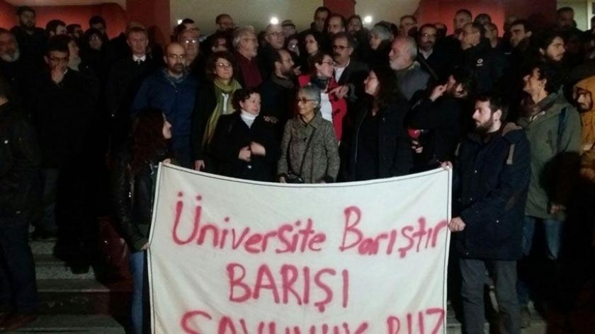 Kocaeli'deki akademisyenlerin dosyası İstanbul'a gönderildi