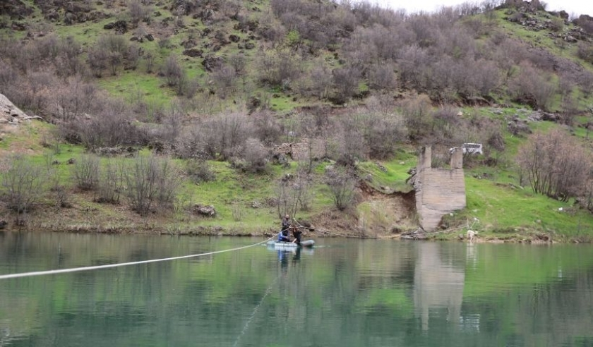 Baraj nedeniyle mahsur kalan aileye verilen köprü sözü hâlâ tutulmadı