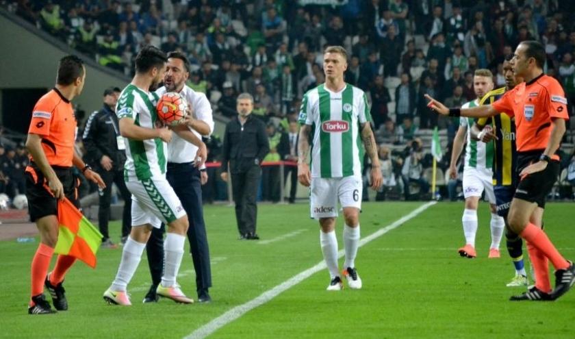 Konyaspor evinde Fenerbahçe'yi 2-1 yendi