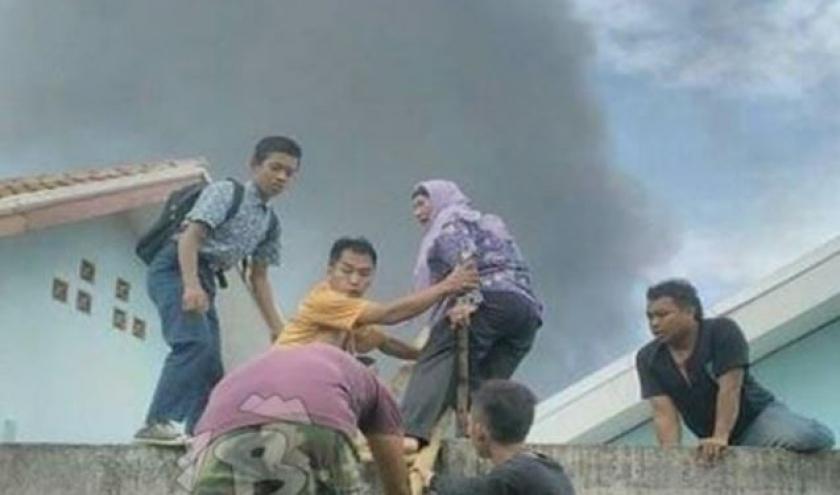 Endonezya'da havai fişek fabrikasında patlama, 47 ölü