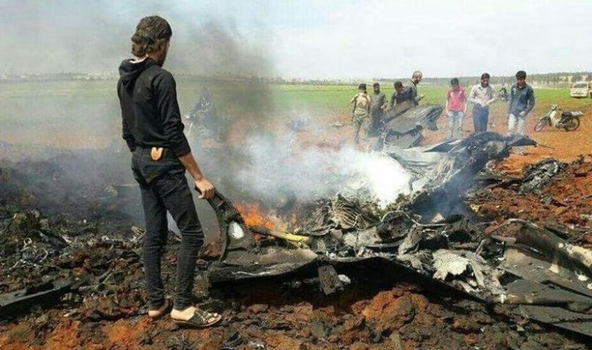 Cihatçılar, Halep'in güneyinde Suriye uçağını düşürdü