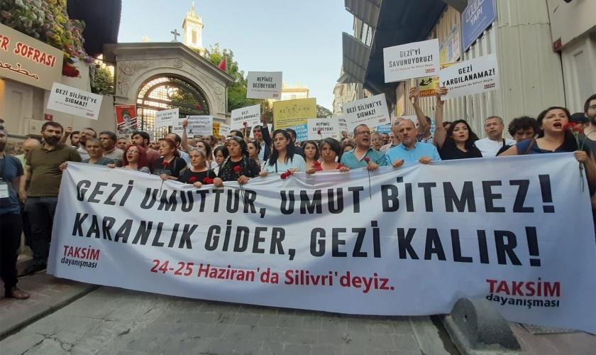 Urganika kanunlarından ibretialem iddianamelere: Lorem Ipsum'a karşı cesaret!
