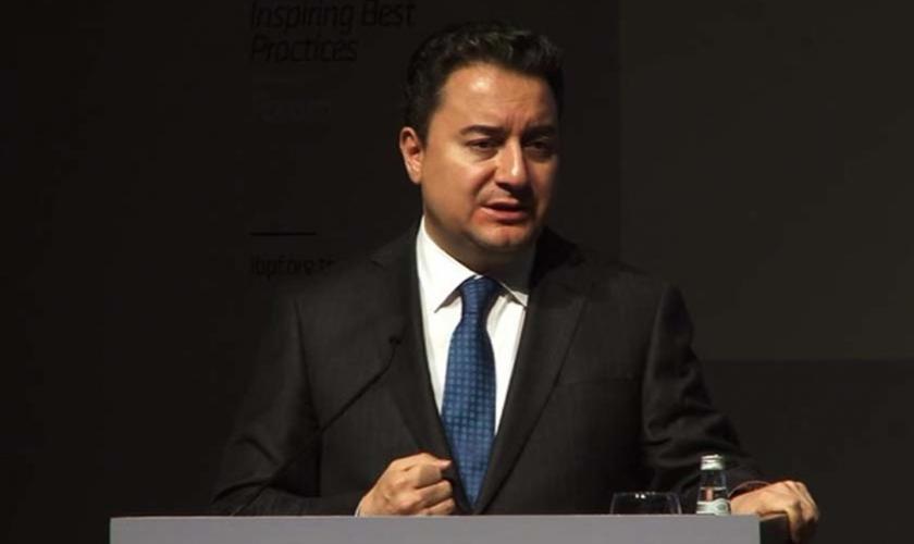 """Babacan'ın """"Yeni AKP'si"""" bir ihtiyaç mı?"""