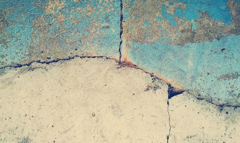 Duvarı yanlış yere örmek üzerine…